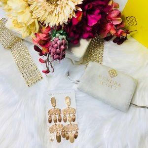 NWT: Kendra Scott Emmett Rose Gold Earrings
